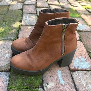 Topshop Bay Suede Boots